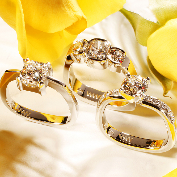 Diamond rings made with gold and platinum